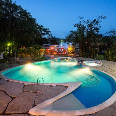 piscina ingles lodge